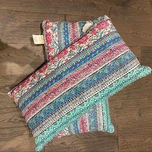 NWOT-Set- oversized boho pillows
